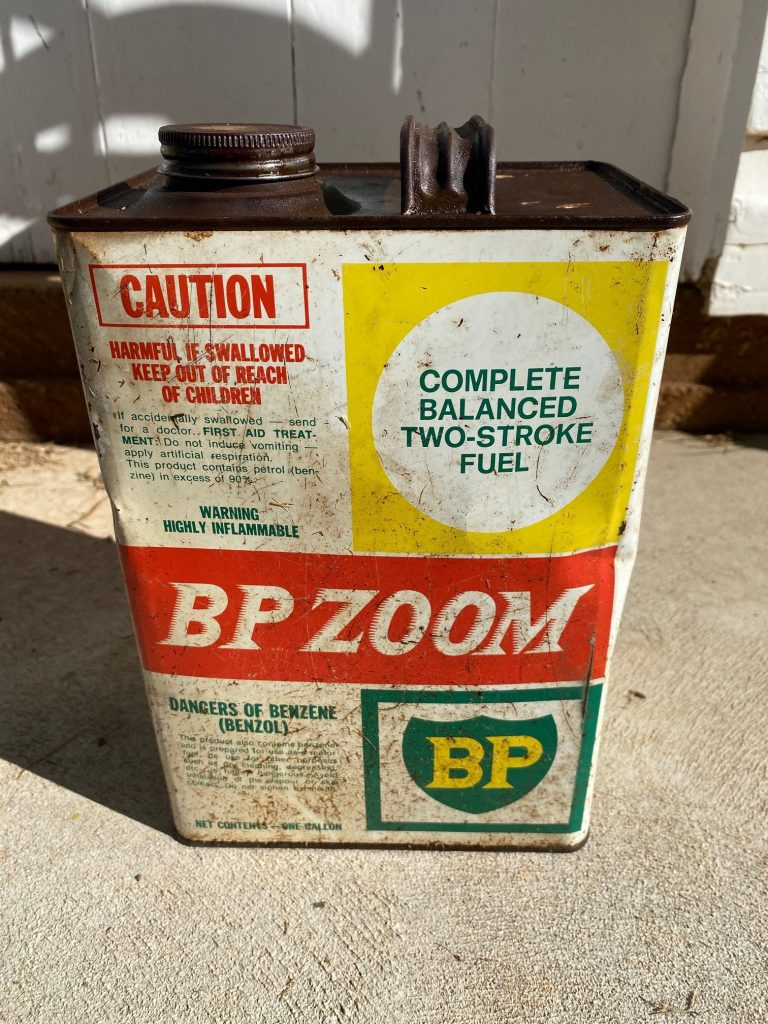Garden 2 Stroke Fuel Container retro BP Zoom