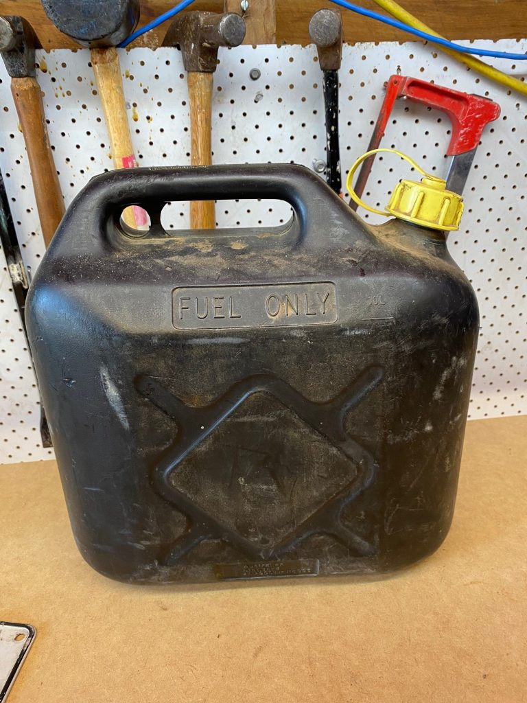 Straight mower fuel container